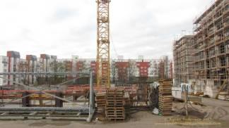 """Groth-Baustelle am Mauerpark, Blick auf die Baustelle von """"meiner Bank"""" aus Richtung Westen. Die Häuser der Graunstraße sind noch zu sehen, Sonntag, 26. November 2017"""