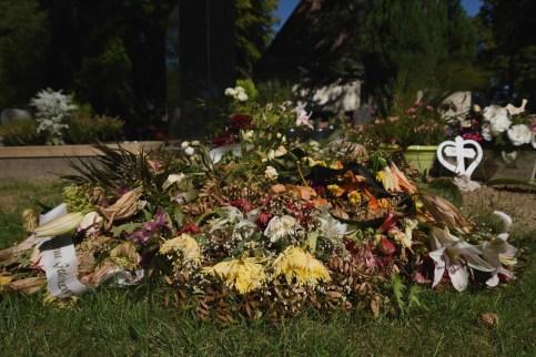Am Grab meiner Mutter, 23.06.2020. © Ines Udelnow